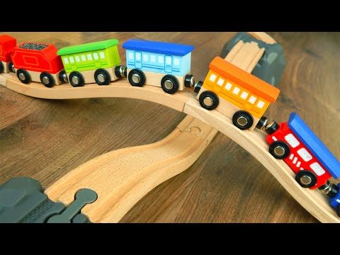 Видео для детей про Новый перекресток игрушки машинки и поезда деревянные. Мультик Железная дорога