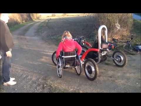 Personne à Mobilité Réduite, Handicapé. SWINCAR Véhicule électrique Tout Terrain Pendulaire. ZOSH