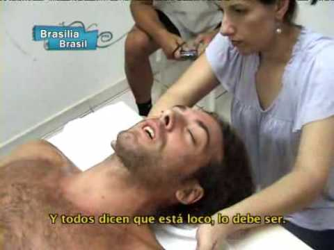 Tenis Pro : Nico Massu having a massage