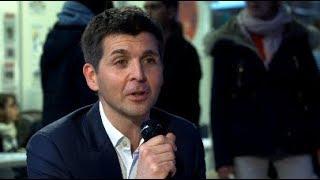 Thomas Sotto, journaliste à France 2, en plateau avec l'EPJT