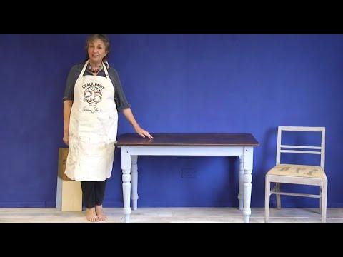 Mahogany Look Chalk Paint® Project –Part 2: applying Dark Wax