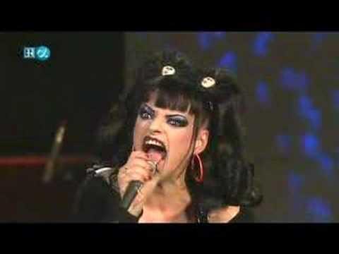 Nina Hagen - The Lady Is A Tramp