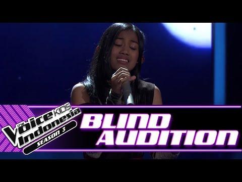 Aqiilah - Aku Cuma Punya Hati   Blind Auditions   The Voice Kids Indonesia Season 3 GTV 2018