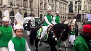 Pakistanis Shine at London's New Year Parade