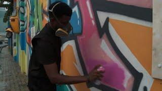 Le graffiti se crée une place sur les murs de Lagos