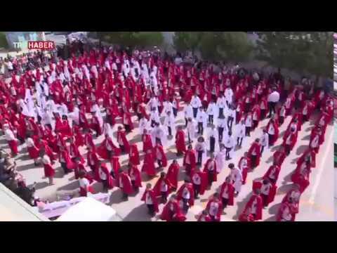 270'den fazla ilkokul öğrencisinden Türk bayrağı koreografisi