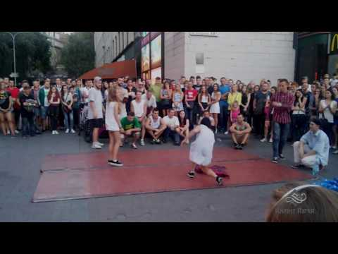 Видео: Танцевальные батлы Крещатика, Вечерний Киев часть 7 - Dance Battles Khreshchatyk, Kiev Evening part7