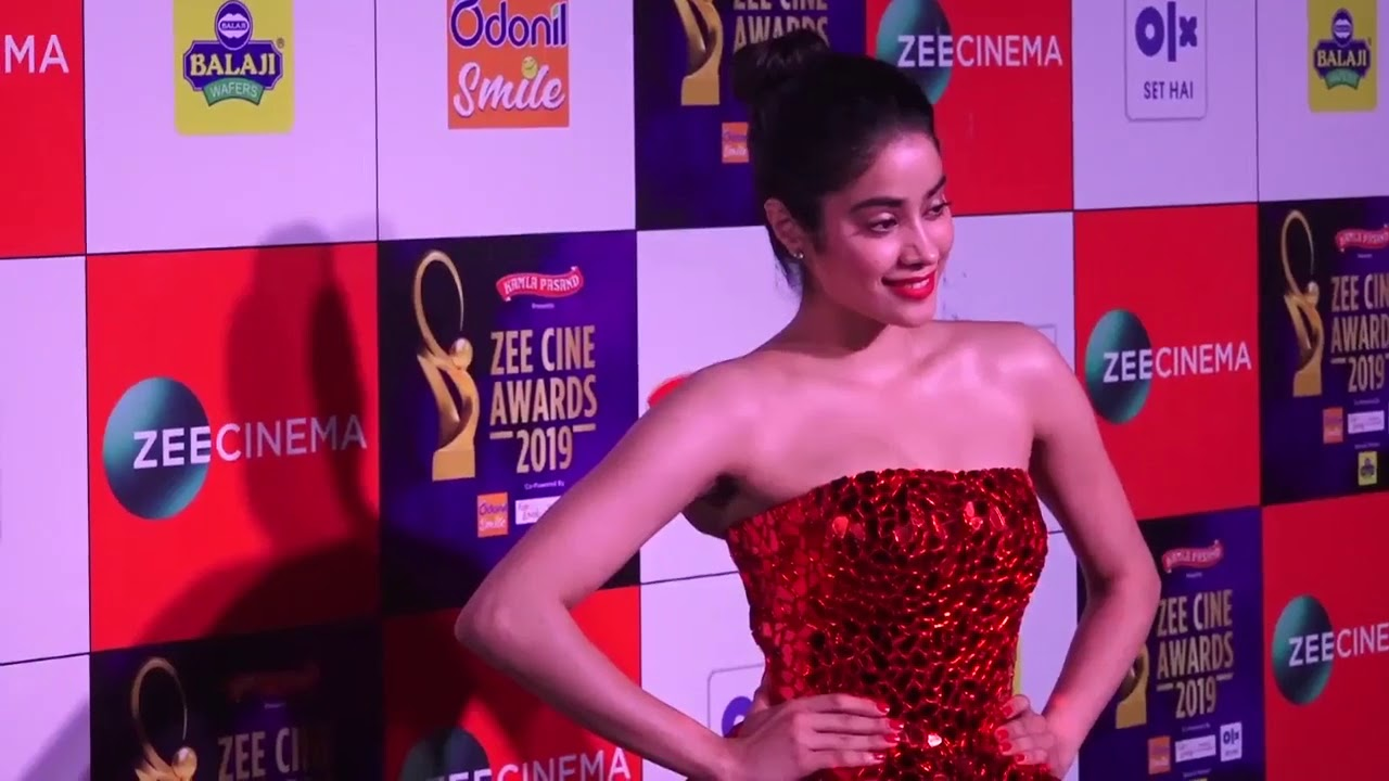 Jhanvi Kapoor Joins Rajkumar Rao For Roohafza - बॉलीवुड की नई खबर - Latest  Bollywood Gossips 2019