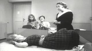 """Tina Lattanzi doppia Gina Mascetti con accento milanese nel film """"Tre straniere a Roma"""" del 1958"""