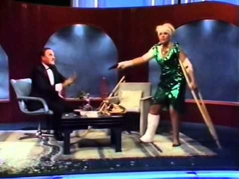 Pamela Stephenson terrorises Bob Monkhouse (1986) streaming vf