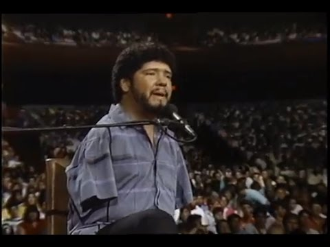 Tony Melendez sings for Pope John Paul II - 1987