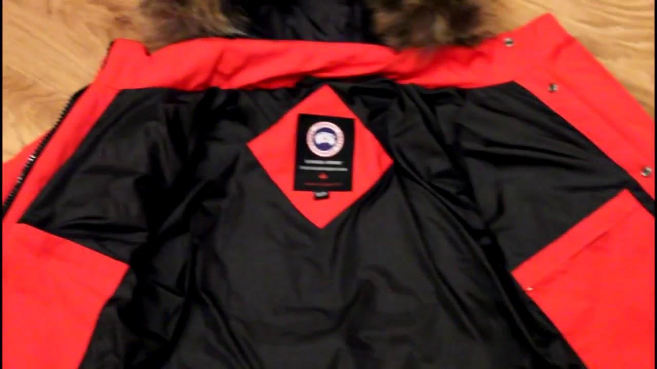 Сегодня можно купить пуховики монклер для женщин и мужчин; также создаются детские коллекции. Дутые куртки отличаются ярким и стильным дизайном: это и сочные расцветки, и необычные принты, и декоративные элементы. Кроме того, имея изящную форму и малый вес, пуховые куртки moncler.