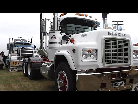 Classic Truck Display and Truck Racing at Levels Raceway, Timaru, 2017