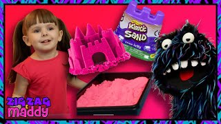 Kinetic Sand Surprise Toy Hunt with ZigZag and Maddy