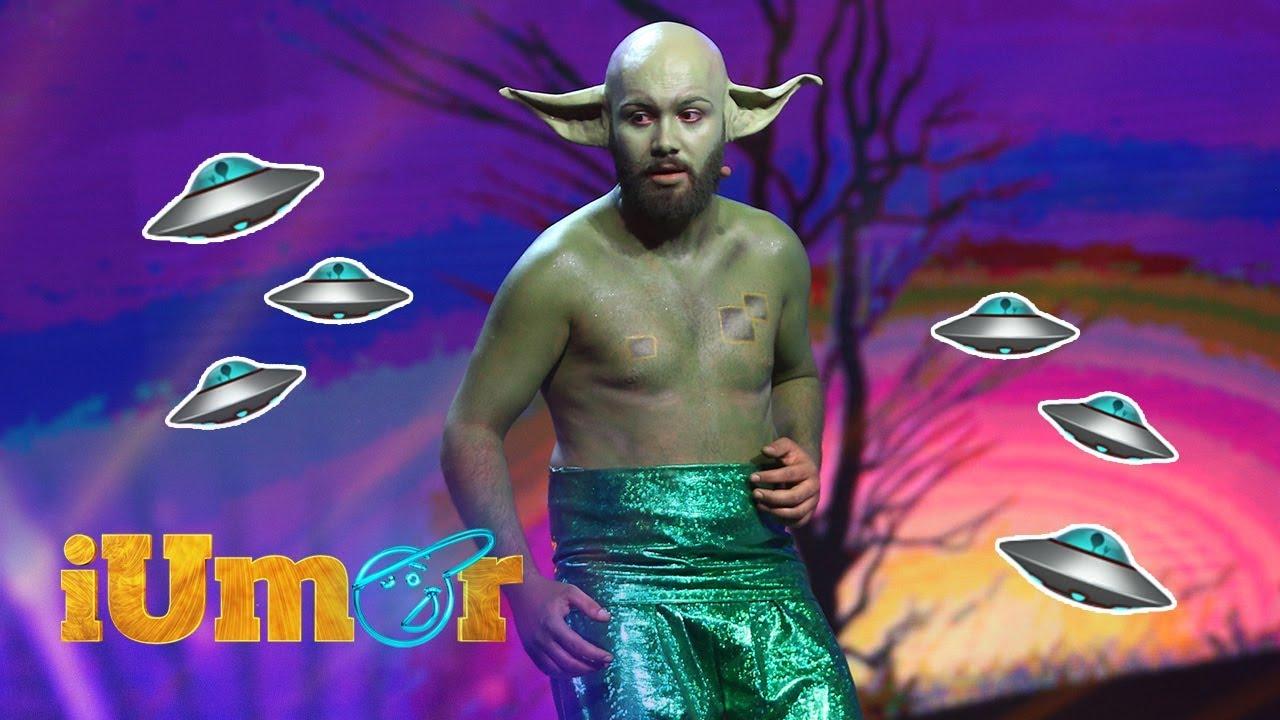Daniel Farcaş, un extraterestru pe scena de la iUmor! Mihai Bendeac l-a blocat cu maneta