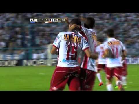 Atlético Tucumán venció a Huracán en el final y alcanzó a Lanús en la punta