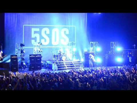 Waste The Night - 5 Seconds Of Summer en Buenos Aires, Argentina (Luna Park - 10/09/2017)