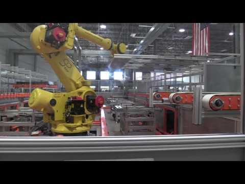 Missouri Wind and Solar visits Helios America Solar Panel Factory