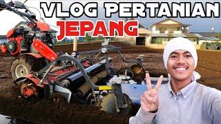 Download lagu Cara Memasang Mulsa Plastik Menggunakan Traktor Kubota | Vlog Pertanian Jepang