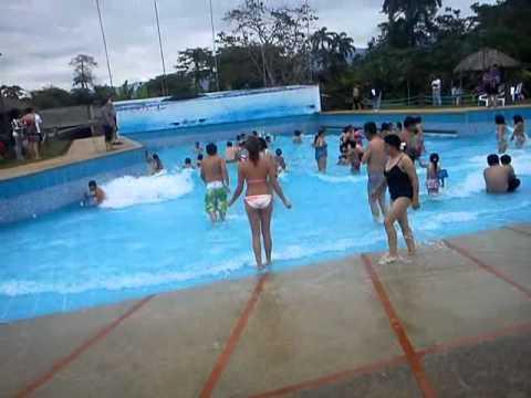 Suc a piscina de olas youtube for Piscina de olas