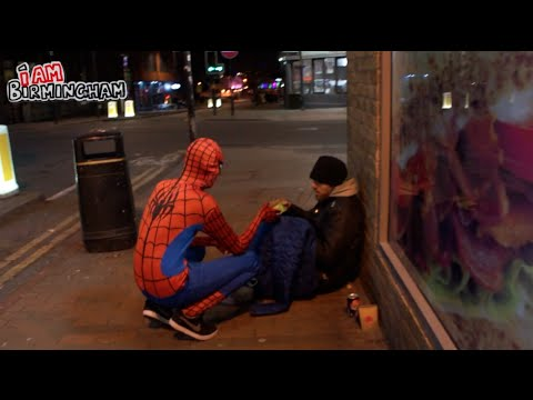 Anonymous Spiderman Feeds Homeless At Night, Shows Everyone