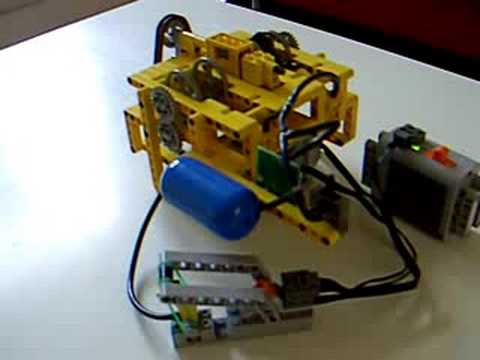 LEGO pneumatic compressor using large pumps and PF motors - YouTube