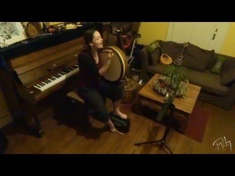 Improvisation#1 - shruti box, bodhrán, vocal // RebekkArts