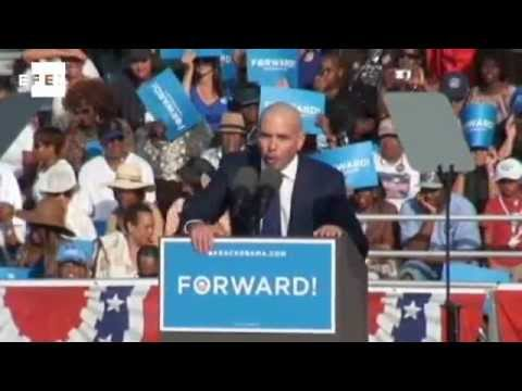 Cuban American rapper Pitbull supports Obama at Florida rally.wmv