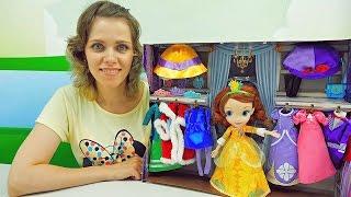 Кукла София Прекрасная и её шкаф с платьями - Sofia the First Wardrobe Deluxe Doll Set