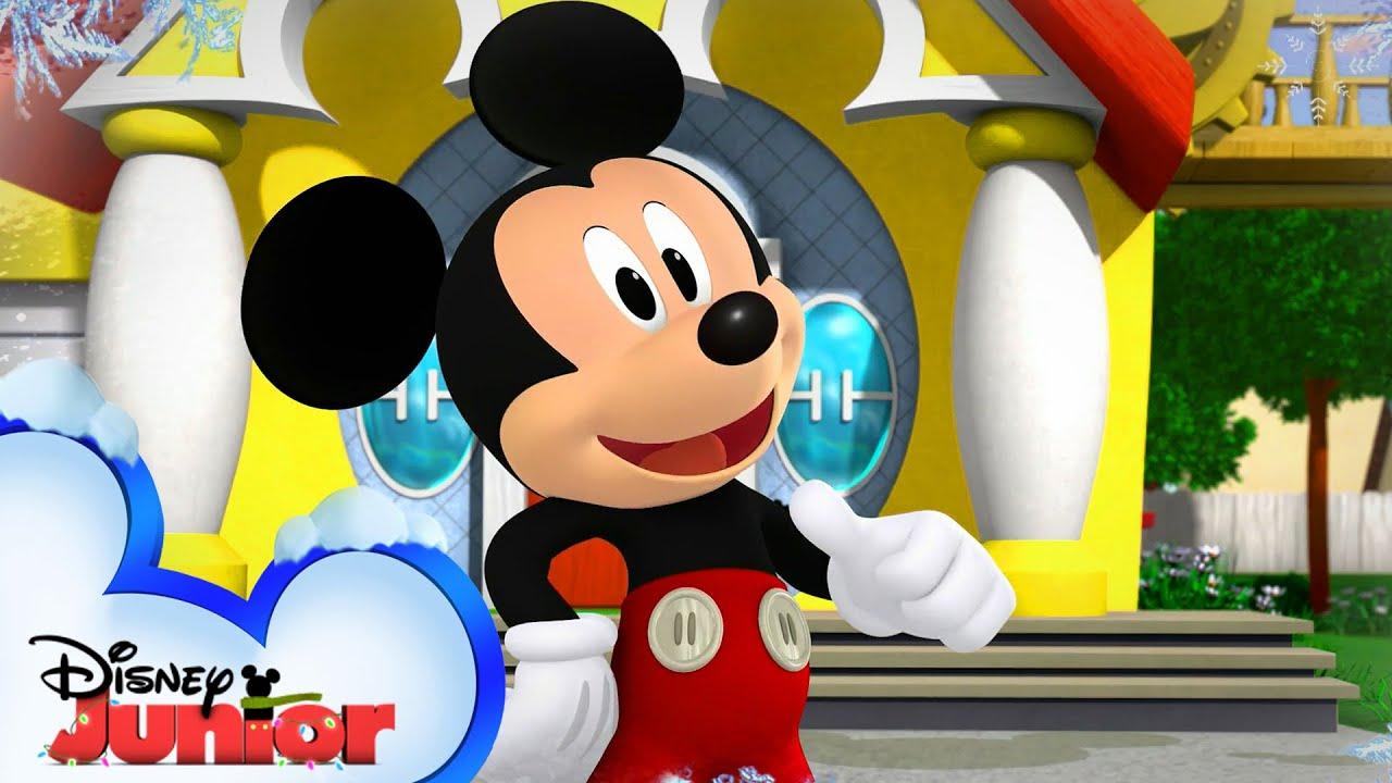 Holiday Mickey Mornings ❄️ | Music Video | Mickey's Holiday Party | Disney Junior