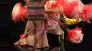 יובל רוקדת
