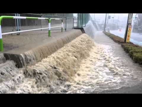 Japan Rain Storm - Thunder & Lightning - Floods / Typhoon 台風 大水 by tkviper.com