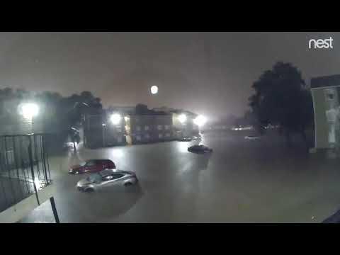 Timelapse Captures Dramatic Flooding in Houston