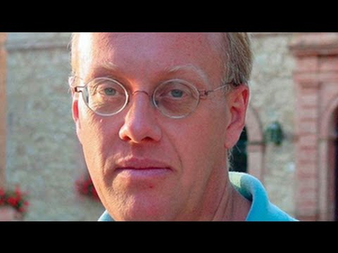 Chris Hedges Takes On the NDAA, Al Qaeda & the American Police State