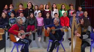 Os alumnos do C.E.I.P Padín Truiteiro interpretan o tema