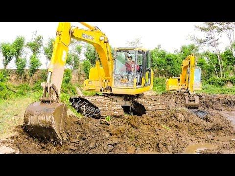 Komatsu PC130F Swamp Excavator Digging Pond