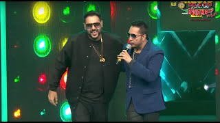 Mika Singh Vs Badshah Face Off At The Royal Stag Mirchi Music Awards!