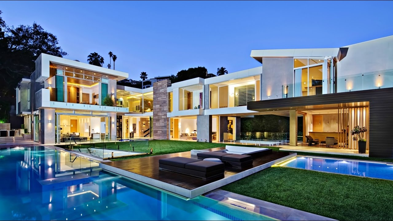 Stunning modern west hollywood luxury residence in los for Luxury home builders usa