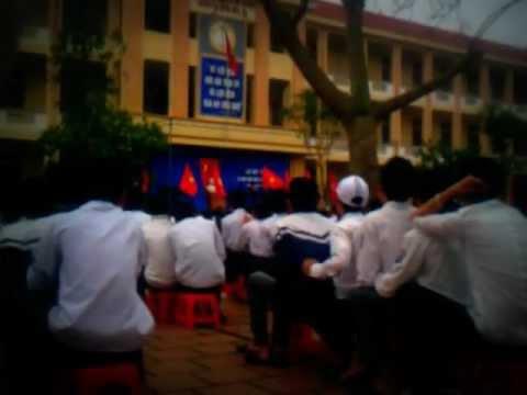 Diễn Châu 5. 8/3/2012. Ngẫu hứng band( Thầy Long, Thầy Quý, Thầy Ân, Thầy Hải)