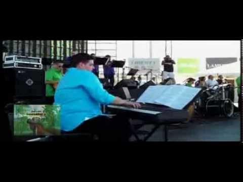 CON LOS POBRES ESTOY * Dia Nacional De La Salsa 2013 * GUASABARA COMBO feat TEGO CALDERON