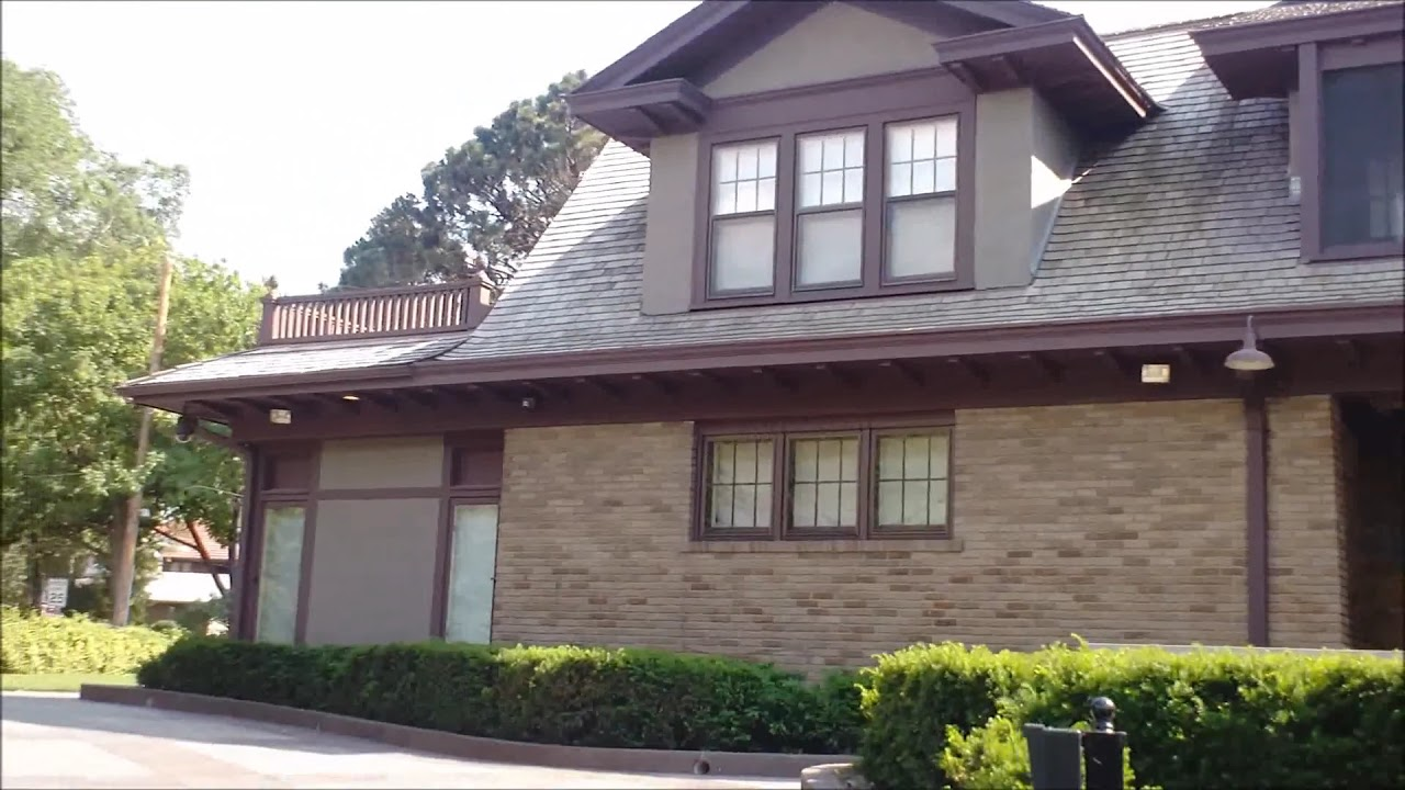 Warren Buffett S House In Omaha Youtube