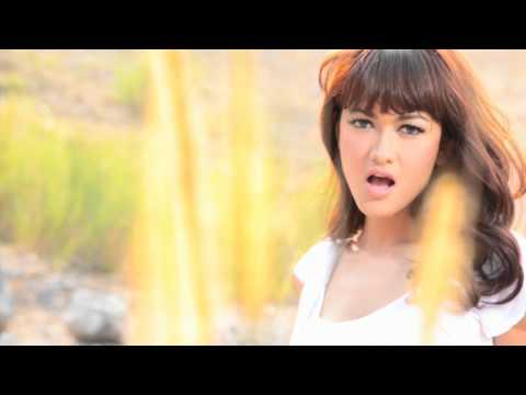 Julia Perez - Satu Cinta [Official Music Clip]