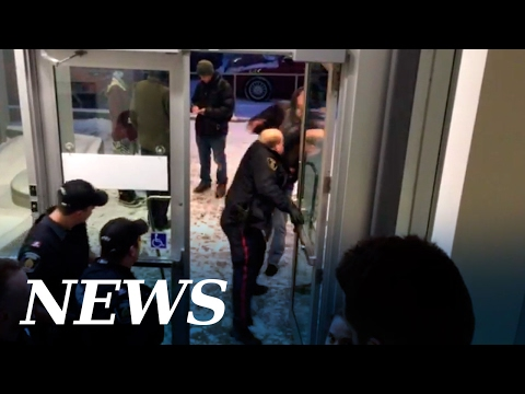 RAW FOOTAGE: Protester clashes with Sudbury Police at school board meeting