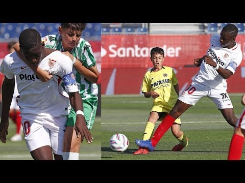 12 Year Old GIANT Striker Is The Zion Williamson Of Soccer!