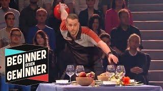 Bowling: Tisch gedeckt! Schafft der Profi das? | Teil 2  | Beginner gegen Gewinner | ProSieben Video