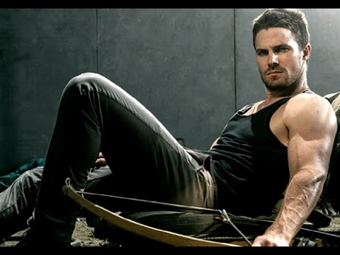 Stephen Amell Interview on His Workout for Arrow - 2015