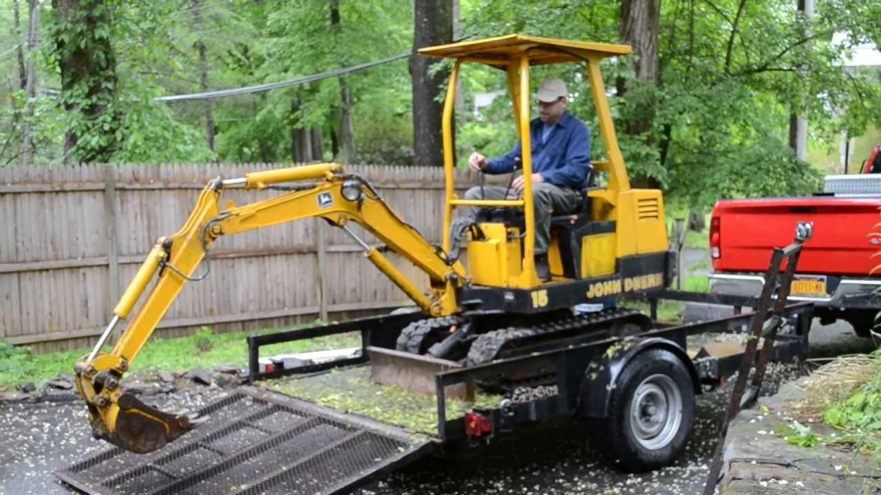 Unloading A John Deere 15 Mini Excavator Youtube