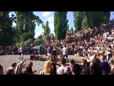 DESPACITO-KARAOKE | Como la musica une a la gente | How music unites people