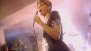 Olivia Newton-John - Love Make Me Strong (Video-1981)