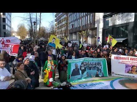 اعتصامٌ كرديّ في بروكسل للمطالبة بالإفراج عن أوجلان ومعتقلين آخرين في تركيا…